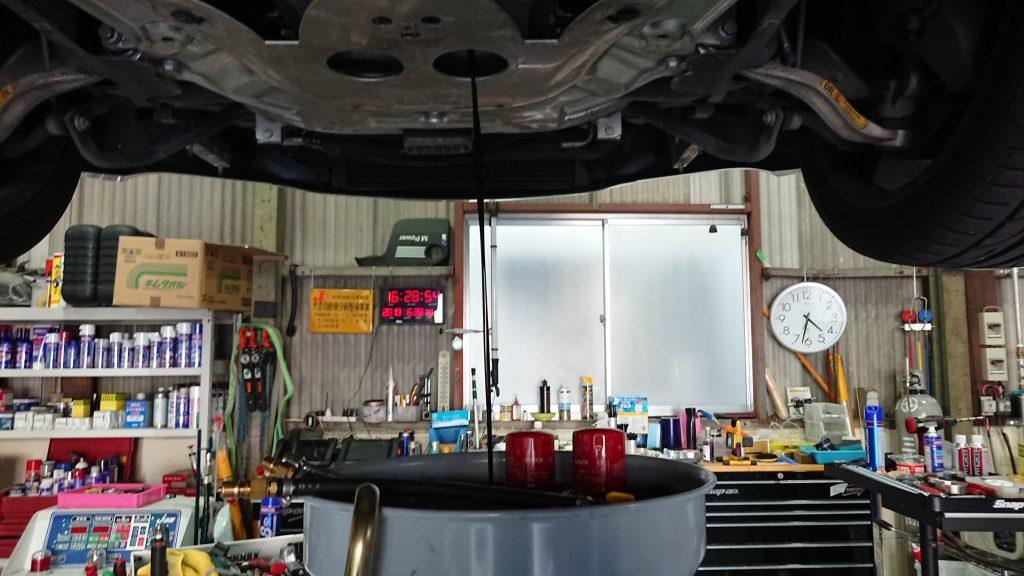 BMW M6 オイル交換 エンジンオイル SMG AVARTH 岐阜 アヴァルト BWM修理