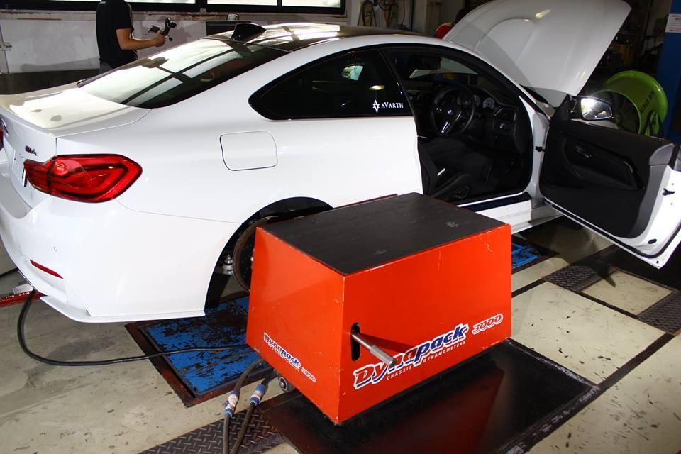 AVARTH アヴァルト BMW M4 ダイナパック E3取付