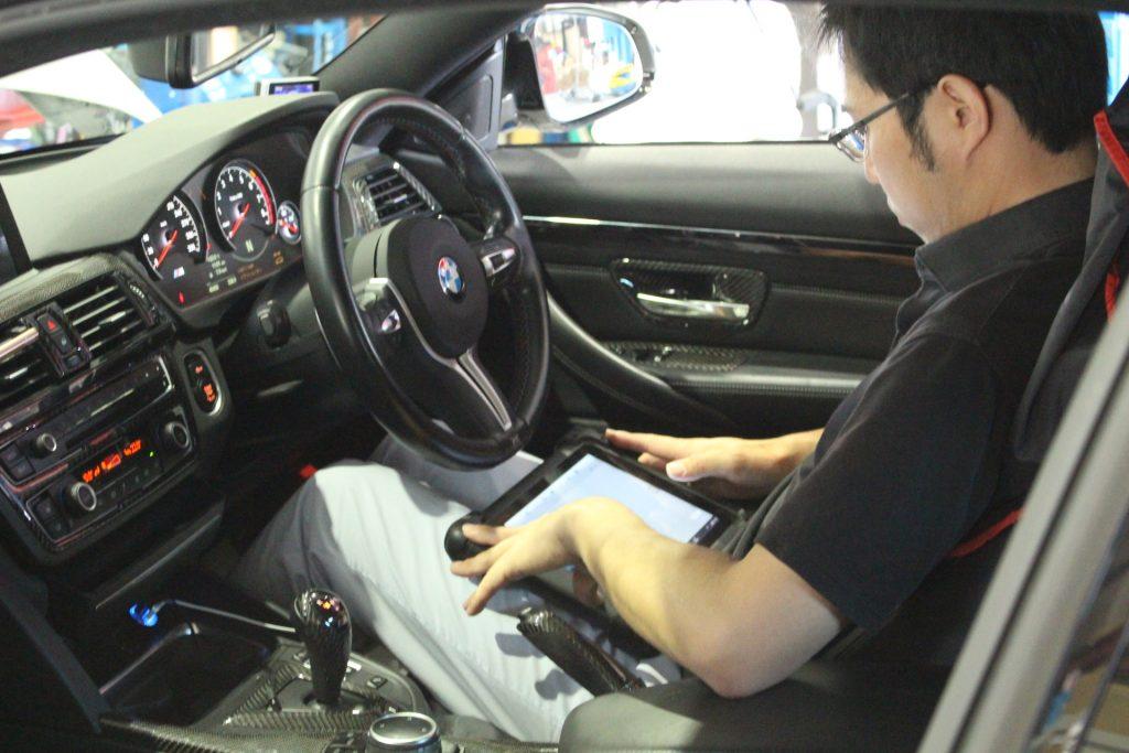 AVARTH BMW岐阜 M4 F82 DCTオイル交換 BMW修理 BMWカスタム リフトアップ トルコン太郎 学習中