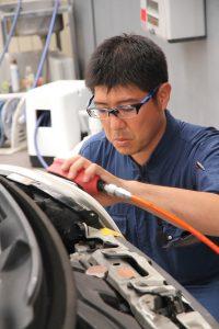 AVARTH ドリームコート カークラフトスギ 岐阜県 ヘッドライト再生 ブライトマン HIVE 技術認定店 認定プロショップ 施工中